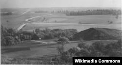 Наваградак, гара Міндоўга з боку Замкавай гары