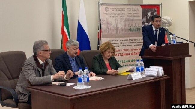Сулдан: Наил Вәлиев, Рафаил Хәкимов, Зилә Вәлиева