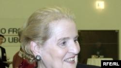 Мадлен Олбрайт, 2002 рік.