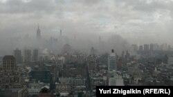 Дым от пожара над Манхэттеном