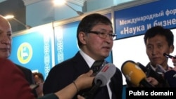 Министр образования и науки Ерлан Сагадиев. Фото с сайта правительства Казахстана.