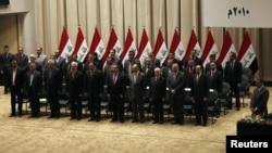 الحكومة العراقية لحظة المصادقة على تشكيلها في مجلس النواب