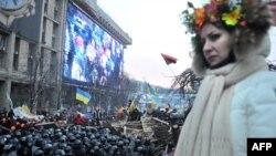 Шерушілер мен милиция. Киев, 11 желтоқсан 2013 жыл. (Көрнекі сурет)