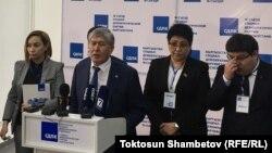Алмазбек Атамбаев КСДПнын жыйынынан кийин. 6-апрель, 2019-жыл.