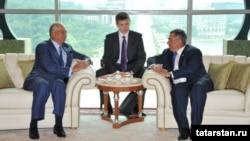 Рөстәм Миңнеханов Малайзия премьер-министры Нәҗип Разак (с) белән очраша