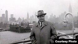 Максім Танк у ЗША, 1960 год. З асабістага фонду Максіма Танка ў БДАМЛМ.