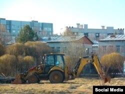 """Начало стройки, апрель. Фото сообщества """"Сквер Ярославская 34"""""""