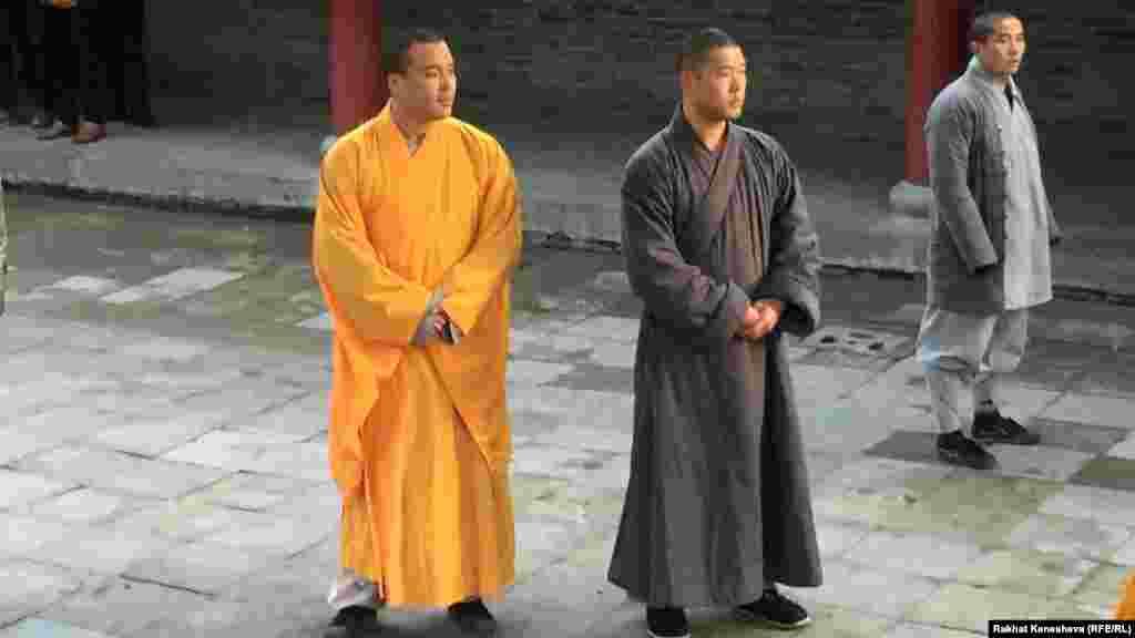 В монастырь принимают с 9 лет.