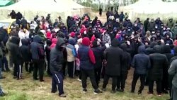 Мигранты из Узбекистана и Кыргызстана живут в палатках на российско-казахстанской границе