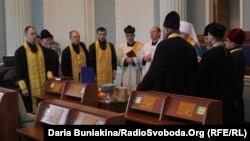 Міжконфесійне освячення Будинку рад і ОДА в Черкасах, 25 лютого 2014 року