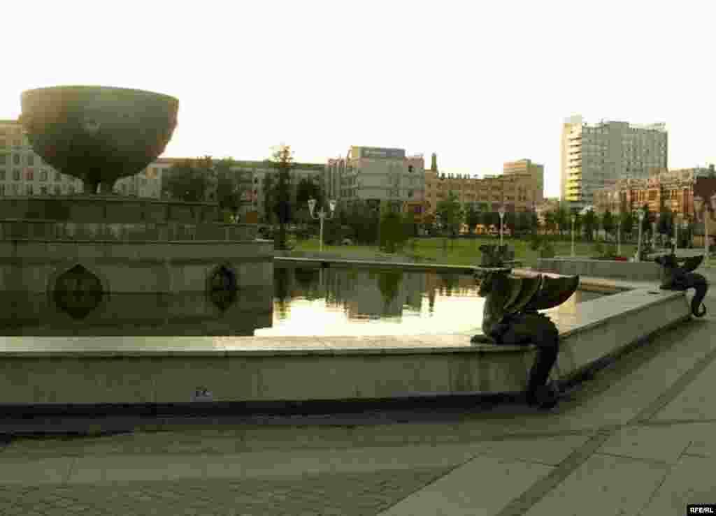 Меңьеллык паркындагы фонтан