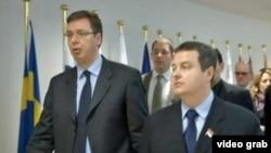 Aleksandar Vuçiq (majtas) dhe Ivica Daçiq
