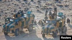 Ushtarët e Turqisë në kufirin me Sirinë