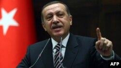"""Премьер-министр Турции Реджеп Эрдоган предупреждает: """"Власти Сирии опасно балансируют на лезвии бритвы!"""""""