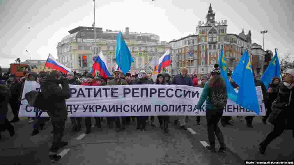 Адвокаты Николай Полозов и Марк Фейгин вышли в поддержку крымских татар