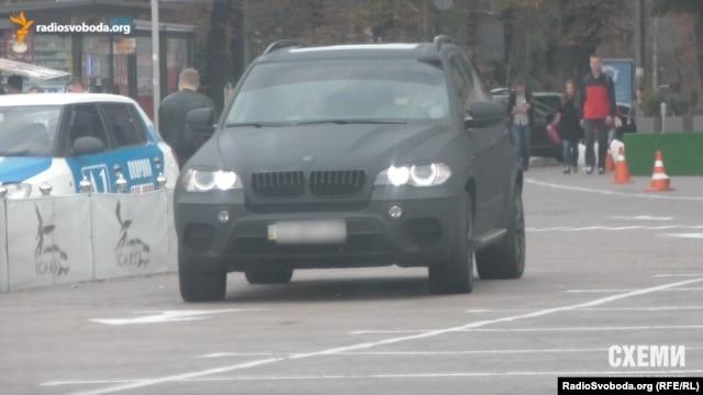 Окраса автопарку СБУ – BMW X5 – використовується співробітником СБУ Керезвасом