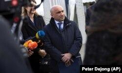Гюндуз Мамедов после участия в первом заседании суда над обвиняемыми в убийстве в связи с падением рейса МН17, 9 марта 202 года.