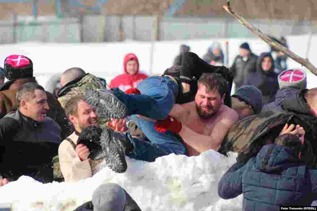 Взятие снежной крепости – старинная казачья забава.