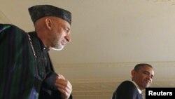 Архивска фотографија: Претседателите на Авганистан и на САД, Хамид Карзаи и Барак Обама.