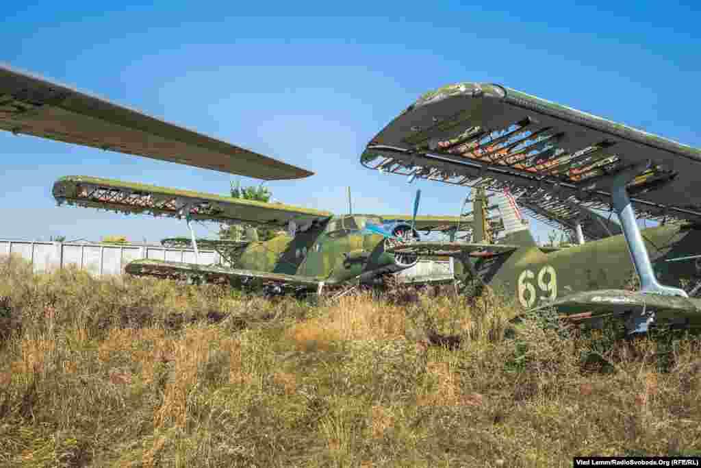 Радянський біплан Ан-2. Крила його зруйновані часом