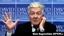დევიდ ლინჩი პრესკონფერენციაზე თბილისში