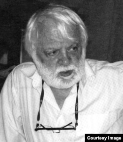 Александр Парнис. Фото Юрия Диденко, 2011)