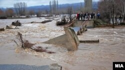 Foto nga vërshimi i një lumi në pjesë lindore të Maqedonisë