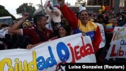 Përkrahësit e presidentit të vetëshpallur Juan Guaido