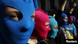 Акция в поддержку Pussy Riot в Эдинбурге