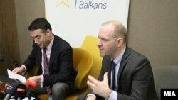 Министерот за надворешни работи Никола Димитров и Флоријан Бибер и професор на Универзитетот во Грац