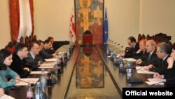 Уже второй день докладчики Комитета по мониторингу Парламентской ассамблеи Совета Европы Матиас Йорш и Кастриот Ислам проводят встречи в Тбилиси
