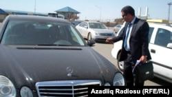 Vəkil Bəhruz Bayramov və onun avtomobili