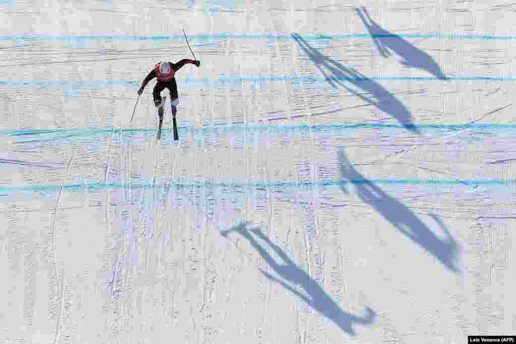 Freestyle Skiing: Switzerland's Armin Niederer competes to win the men's ski cross small final during the Pyeongchang 2018 Winter Olympic Games at the Phoenix Park in Pyeongchang on February 21, 2018. Brady Leman of Canada took gold.