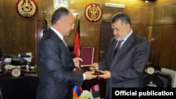 Afghanistan - Defense Minister Defense Minister Bismillah Khan Mohammadi (R) meets with his Armenian counterpart Seyran Ohanian in Kabul, 26Nov2012.