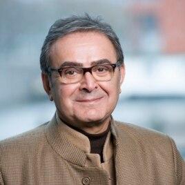 تورج اتابکی، نویسنده کتاب «آذربایجان، قومیت و نبرد قدرت در ایران»