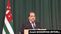 Председатель Армянской общины Абхазии Галуст Трапизонян