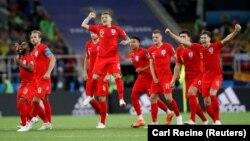 Անգլիայի ֆուտբոլի հավաքականը տոնում է հաղթանակը աշխարհի առաջնության հերթական խաղում, Մոսկվա, հուլիս, 2018թ․