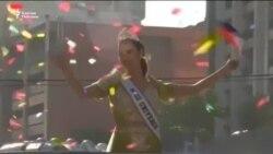 Филиппинцы отметили возвращение домой «Мисс Вселенной» парадом