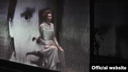 """Сцена из спектакля Новосибирского театра """"Глобус"""" """"Танго морген, танго пли"""""""