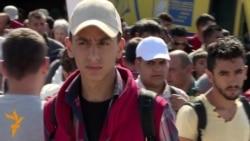 زنده گی اطفال و نوجوانان مهاجر در یونان چگونه می گذرد؟