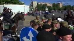 Москва: тысячи мусульман пришли на молитву по случаю Ораза-байрам (видео)