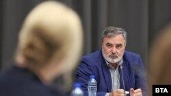 Главният държавен здравен инспектор Ангел Кунчев по време на дебат за COVID-19, 5 октомври 2021 г.