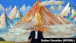 Срок полномочий Алмазбека Атамбаева заканчивается 1 декабря 2017 года.