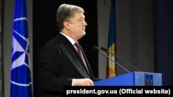 У своєму законопроекті Порошенко врахує зауваження Конституційного суду – представниця президента у парламенті
