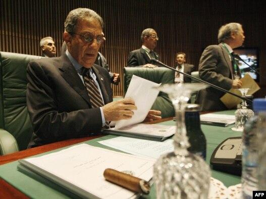 عمر موسی با اشاره به قیام های فعلی در جهان عرب گفته است که «شهروندان این کشورها خواهان مشارکت در تصمیم گیری ها هستند.»