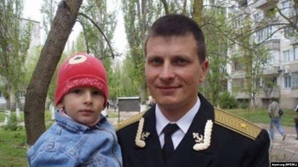 Станислав Карачевский с сыном, архивное фото