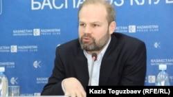 Джон Далхуисен, директор программ Amnesty International по Европе и Центральной Азии
