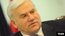 Бывший мэр Махачкалы Саид Амиров в своем кабинете