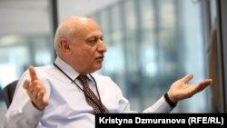 Директор Радио «Фарда» Арман Мостофи.