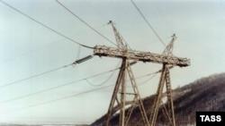 Нехватка передающих мощностей мешает быстро ликвидировать дефицит электроэнергии в отдельных регионах за счет ее перетока из других